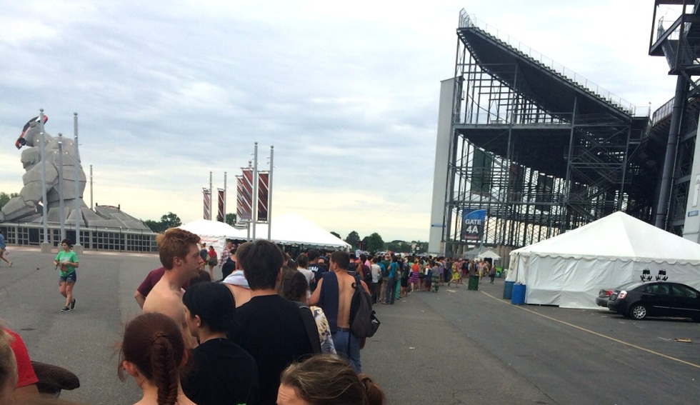 Line for showers at the Firefly Music Festival 2014
