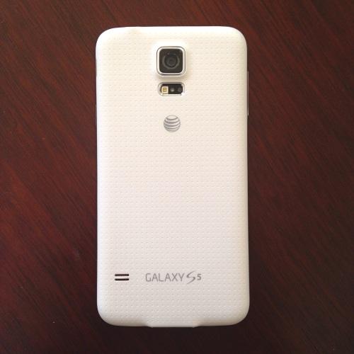 Samsung Galaxy S5 in white