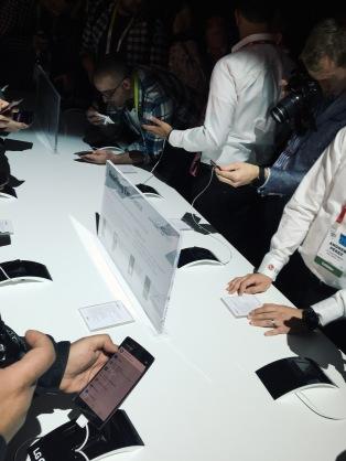 First look at LG G Flex2