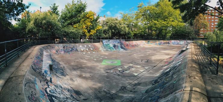 Skate bowl at Kennington Park