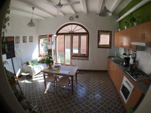Xavi's Airbnb kitchen in Barcelona on Carrer Gran de Gracia