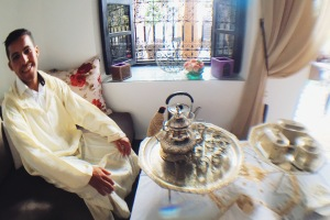 Moroccan tea demonstration at Riad Monceau