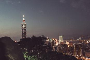 Taipei sunset atop Elephant Mountain