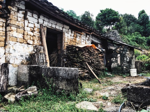 Hiking with Travelers Society in Yangshuo