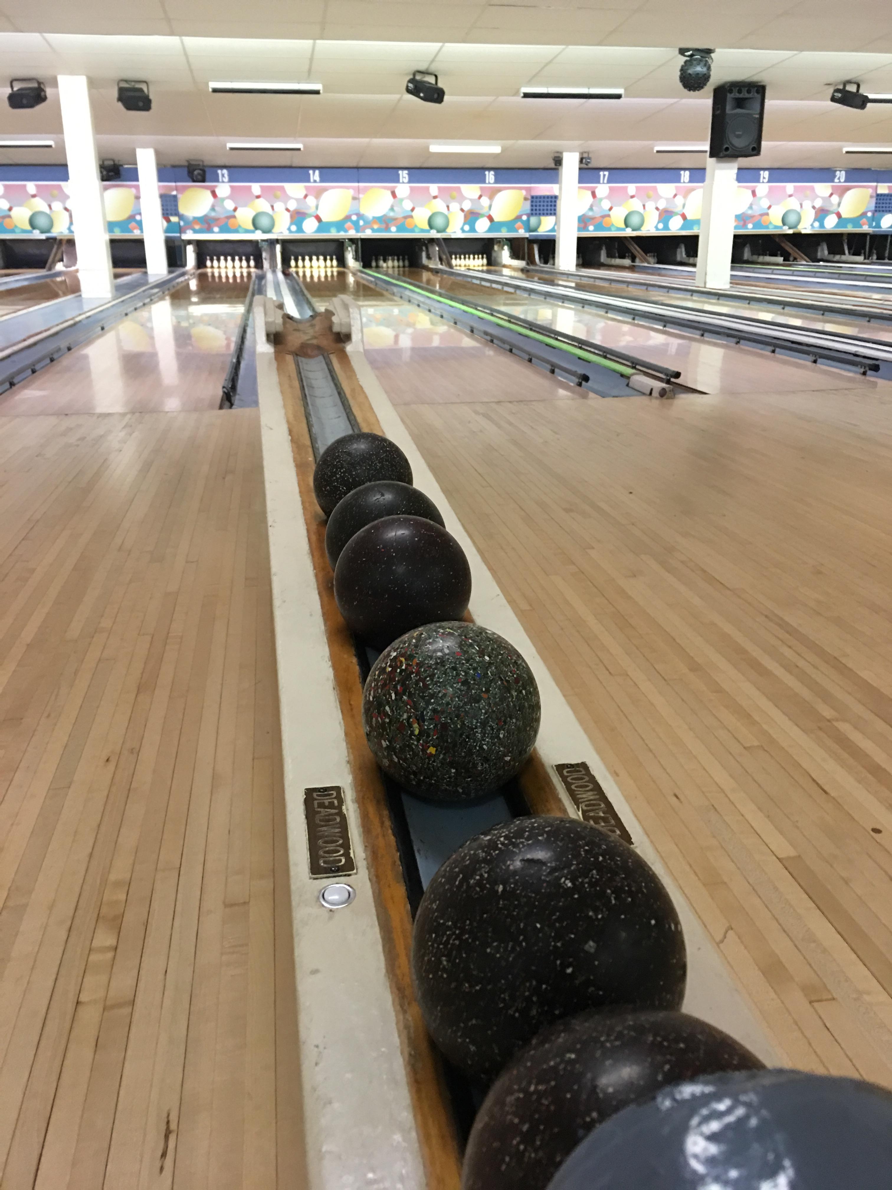 Duck pin bowling in White Oak, MD