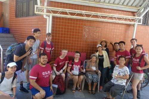 Delivering lunches to the Anping senior community members