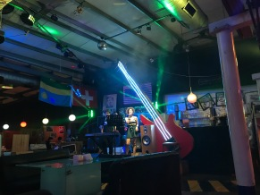 Dive Bar & Grubhut in Tainan